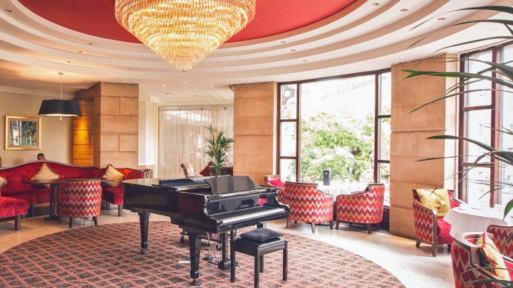 Hastings Europa Hotel piano lounge