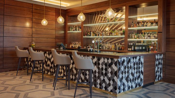 Hilton Hotel Restaurant Bar 2019