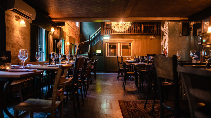 Whites Tavern and Oyster Rooms5