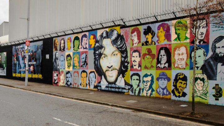 Cab Tours Belfast Wall